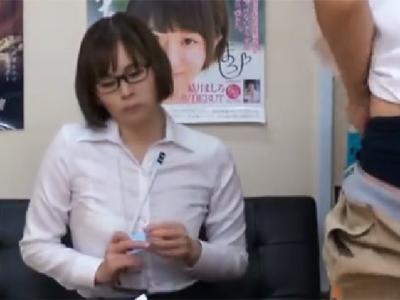 アダルト商品開発担当のメガネお姉さんに男優の面接させて襲ってみた結果w