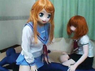 「いっぱいでてる‥!」アニメマスク2人組の痴女攻めが異様ww