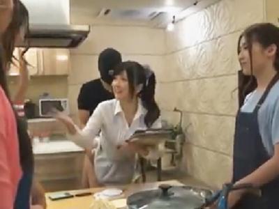 拘束ピスされながら最後まで授業やり切る料理教室のセンセイww