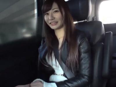 好奇心旺盛な二十歳の素人娘が顔射ハメ撮り初体験!