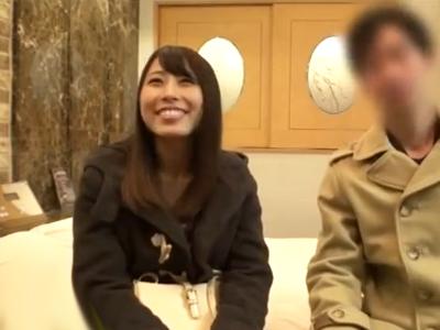 「中に出てる…♡」友達同士で映画デートする怪しい関係の2人をホテルでモニタリング!