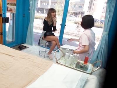 渋谷で発見したギャルに無料マッサージと称してアソコをとろけさせてチンコをねじ込む!