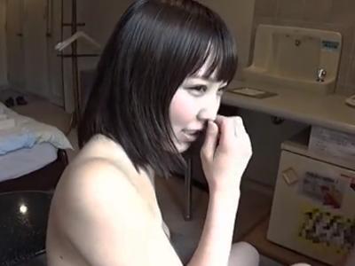 美乳なショートカット美少女のフェラ抜きの個人撮影映像がぐうシコw