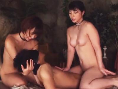 「ほら、挿ってますよ‥♡」レジェンド女優2人による目隠し濃厚ご奉仕SEX