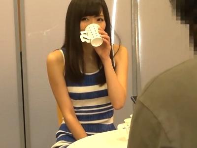 「だめだめ!出ちゃう!出るから!!」麻倉憂ちゃんがおしっこを極限まで画面した状態で潮吹きパコ!