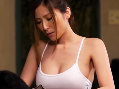 「かなり凝ってますね♡」膣内でチンコの凝りをほぐしてデトックスさせるマッサージ師