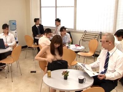 全裸の爆乳OLがオフィスで公開パコ!喘ぎ声をコダマさせながら顔射フィニッシュ