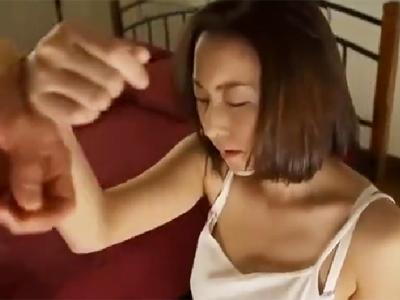強盗に暴行レイプ中出しされてそのまま家に居座られる人妻