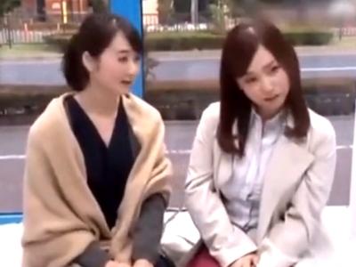 ママ友の女子会帰りの素人妻を乳腺マッサでその気にさせて…不倫乱交開始!