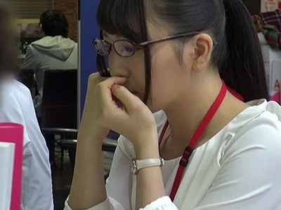 「ぅう!あぁあイックぅう!」SOD1年目のロリ新人OLが白目パコでAVデビュー