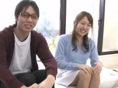 友達の童貞暴露で苦笑の美少女JD→彼氏を待たせて筆おろし!