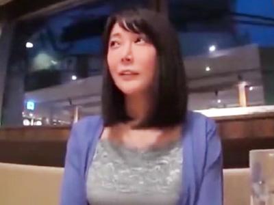 おっとり系の童顔妻のムッチリボディを堪能して顔射ハメ撮り成功!