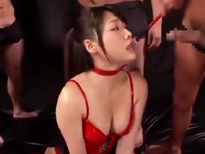 美人なお姉さんの喉奥に肉棒をぶち込んでイラマハンドル陵辱!