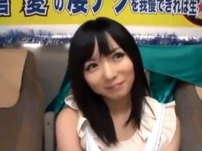 麻倉憂ちゃんの手コキテクに耐えきれず素人チンポ暴発!