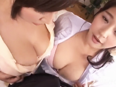 帰ったら爆乳妻2人のパイズリお出迎え→パネェ乳圧で大量射精!