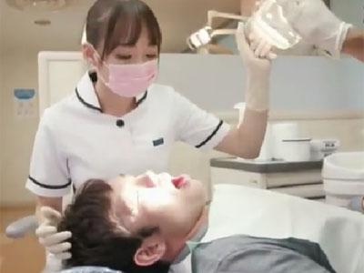 変態歯科衛生士のお姉さんがお気に入りの患者さんのチンポを使って勝手に性処理
