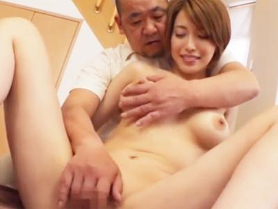 美人過ぎる巨乳妻がお抱え整体師を使って性欲解消w