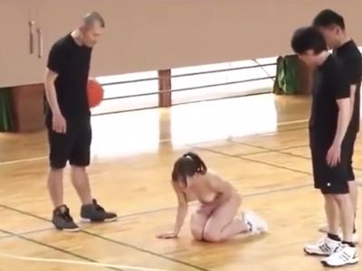 これはひどいwバスケ部美少女にバイブ突っ込んだまま試合やらせて負けたらぶっかけw