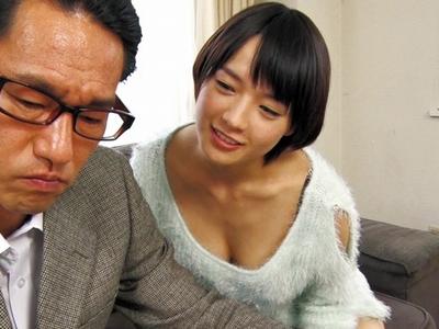 「お義父さま…♥すごぃッ!」実は年上好きな彼女が義父チンポで近親相姦