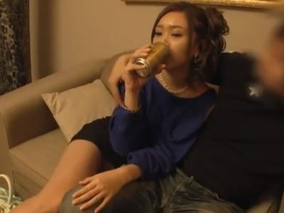 「これじゃ足んなぃよ笑」すでに酔いつぶれているギャルキャバ嬢をホテルに連れ込んで3P中出し