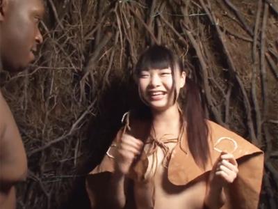 ロリカワ日本人が原住民の衣装着て現地人と絶叫デカマラファック!