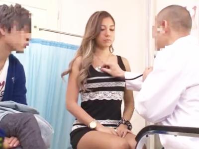 彼氏と妊娠検査にきた黒ギャルに媚薬投入して種付けしてしまう悪徳医師