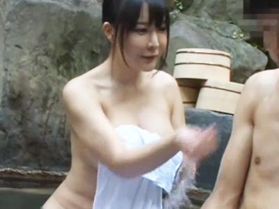 「ね‥姉ちゃんおっぱいデカすぎ‥」爆乳すぎなお姉さんのおっぱいでギンギンに勃起w露天風呂で姉弟相姦!