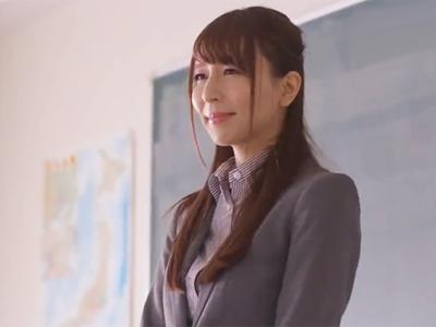 生徒のためと思って頑張ったら裏目に出て犯される新任美女教師