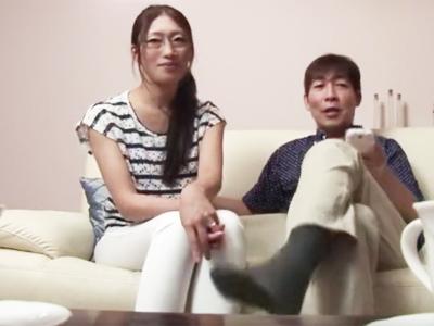 夫婦の子作り性交を後輩に撮影させた生々しい映像