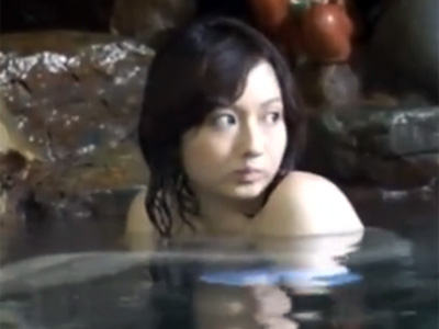 温泉を満喫していた巨乳のお姉さんが変態男に目を着けられレイプされちゃう