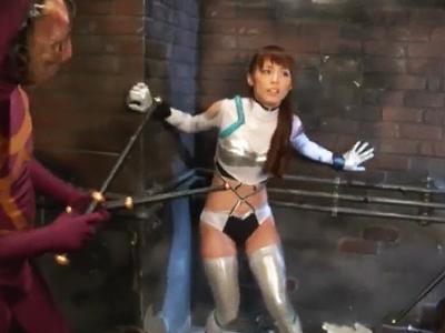 怪人たちのリョナ凌辱でアヘってしまうピチピチ美少女戦士