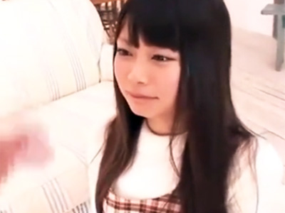 「どんどん勃起してきた‥」センズリを凝視する少女の綺麗な顔にザーメンぶっかけw
