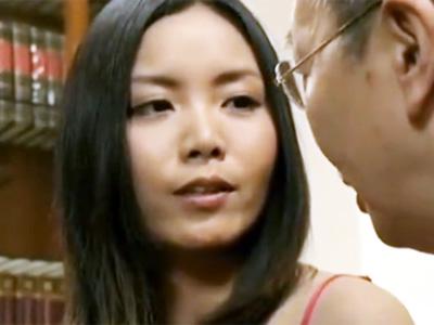 義父の肉棒に堕ちた美人妻が目隠し拘束状態の背徳パコでマジイキw
