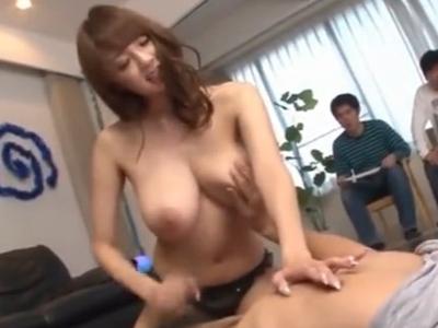 RIONちゃんが素人ちんぽを片っ端から手コキ抜き!