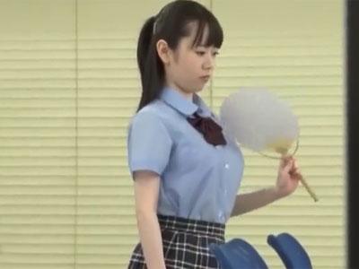 顔立ちは幼いのにしっかり巨乳な美少女JKが教師チンポでアクメ