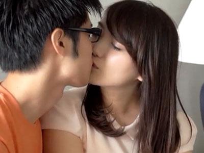 キスだけで濡れてしまう純粋でかわいい美少女との愛情塗れの本気パコ