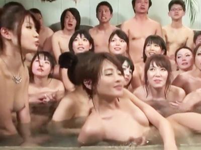 超S級の極上美女達が勢揃いして水着姿でところ構わず大乱交w