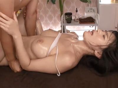神乳美女が性感開発オイルマッサされてエロボディ震わせて大痙攣!