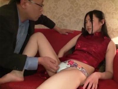 スタイル抜群なチャイナ美女をご自慢チンポで激ハメ→鬼イカセ成功