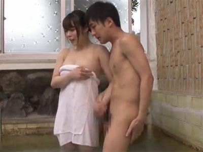 温泉の混浴内で巨乳お姉さんとガチパコ開始→中出しフィニッシュ