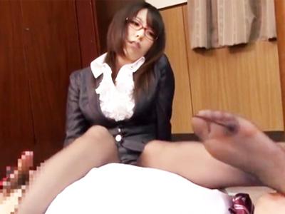 理不尽な上司にブチギレたメガネ秘書が短小包茎チンポを凌辱w