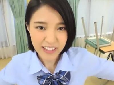 クラスメイトを保健室に連れ込み誘惑してパコる制服美少女