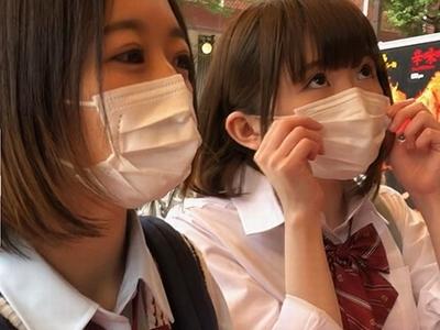 「まぢ気持ちぃ笑」歌舞伎町のヤレると噂のJK2人組!アナル中出し大乱交!