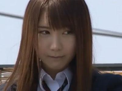 制服姿の美少女JKがお天道様の元で勃起チンポを一生懸命にフェラチオ抜き