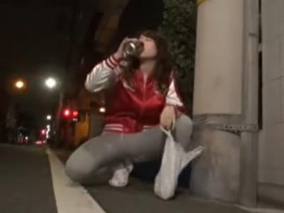 酔っぱらい巨乳ギャルを介抱したら中出しセックスできちゃったw