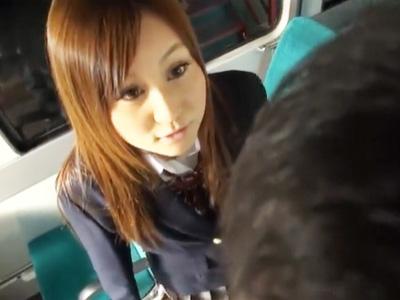女子〇生のパンツ盗撮してたら溜まり場のバスに連れ込まれまさかの逆レイプ