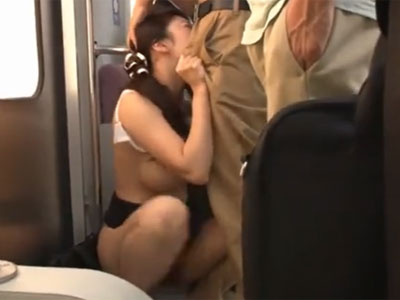 「んぅ!?待ってぇ!!」痴漢男に抵抗できずにハメられてしまう女教師