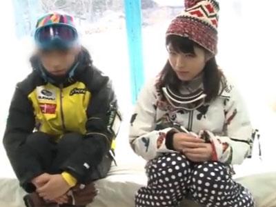「えっと‥ここで‥?」スキーに遊びに来ていた素人娘が緊張しつつもその場パコ