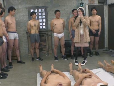 「これは…ムリかも…」中出しするために集められた34人の素人くんを見て絶句する川菜美鈴
