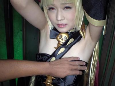 「冥界の女神エレシ●キガル」コスの美少女が10連発中出しで悶絶